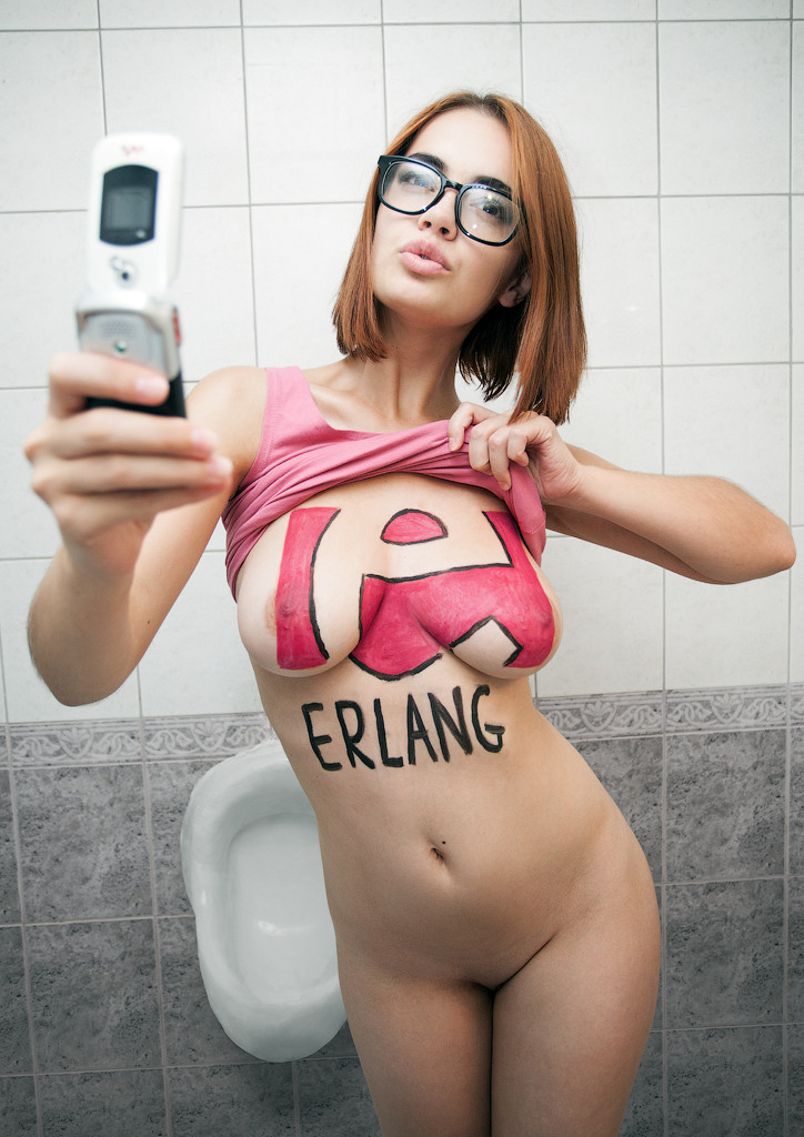 Erlang — функциональный, компилируемый язык программирования. Первая версия разработана в 1986 году Джо Армстронгом и использовался внутри компании Ericsson, стал открыт и публично доступен в 1998-м, назван в честь датского математика и инженера Агнера Эрланга.